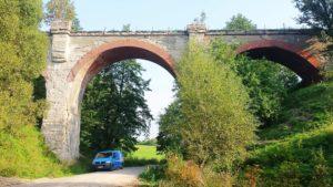 Bahnbrücke im Nordosten Polens