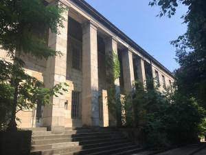 Das Krankenhaus stammt aus dem Jahr 1883 und soll zukünftig den Steiner Filmstudios als Kulisse dienen.